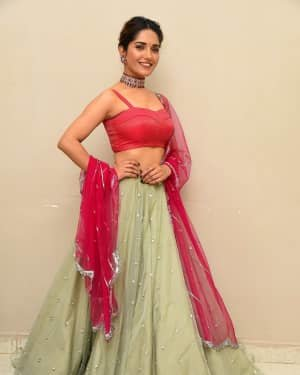 Ruhani Sharma - HIT Movie Pre-release Event At Vizag | Picture 1723303