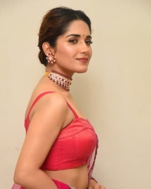 Ruhani Sharma - HIT Movie Pre-release Event At Vizag | Picture 1723307