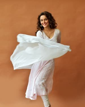 Seerat Kapoor Latest Photoshoot | Picture 1723744