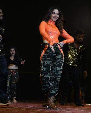 Tamanna Bhatia - Sarileru Neekevvaru Movie Pre Release Event Photos   Picture 1712681