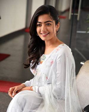 Rashmika Mandanna At Sarileru Neekevvaru Interview Photos | Picture 1712865