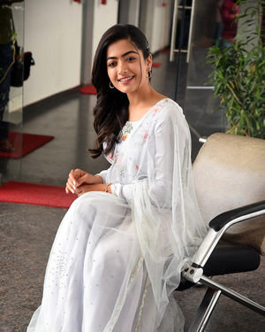 Rashmika Mandanna At Sarileru Neekevvaru Interview Photos | Picture 1712864