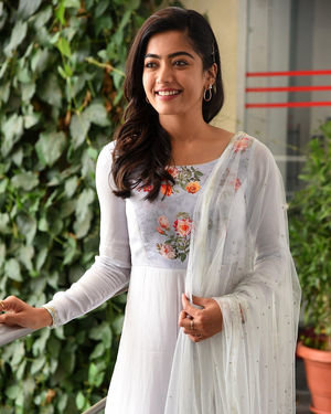 Rashmika Mandanna At Sarileru Neekevvaru Interview Photos | Picture 1712854