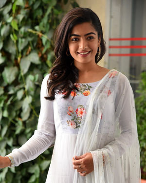 Rashmika Mandanna At Sarileru Neekevvaru Interview Photos | Picture 1712855