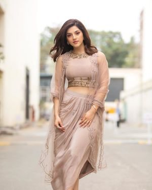 Mehreen Kaur At Entha Manchivaadavuraa Promotions Photos | Picture 1713466
