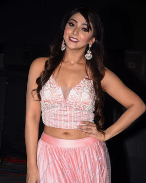 Natasha Doshi - Photos: Entha Manchivaadavuraa Movie Pre-release Event | Picture 1713673