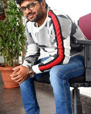Anil Ravipudi - Sarileru Neekevvaru Movie Team Interview Photos | Picture 1713542