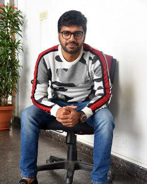 Anil Ravipudi - Sarileru Neekevvaru Movie Team Interview Photos | Picture 1713539