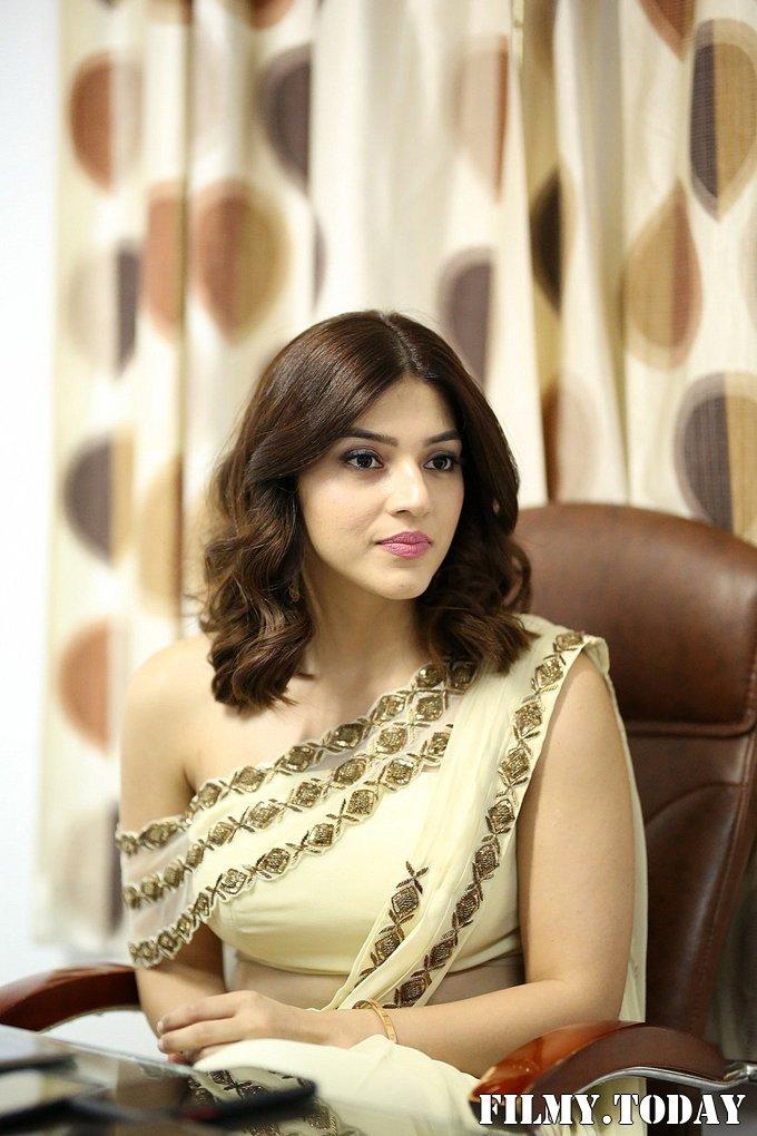 Mehreen Kaur At Entha Manchivaadavuraa Movie Interview Photos   Picture 1714057