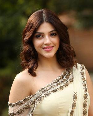 Mehreen Kaur At Entha Manchivaadavuraa Movie Interview Photos | Picture 1714025