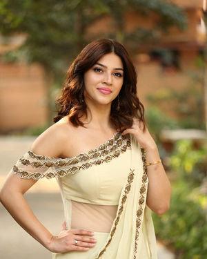 Mehreen Kaur At Entha Manchivaadavuraa Movie Interview Photos | Picture 1714053