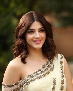 Mehreen Kaur At Entha Manchivaadavuraa Movie Interview Photos | Picture 1714023