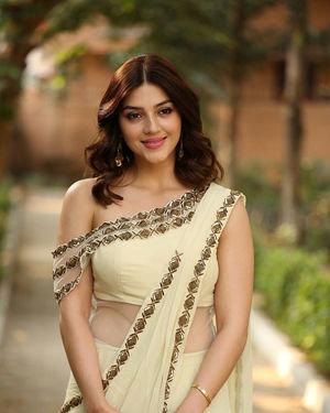 Mehreen Kaur At Entha Manchivaadavuraa Movie Interview Photos | Picture 1714047