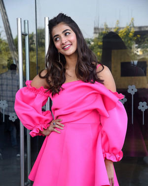 Pooja Hegde - Ala Vaikunthapurramuloo Movie Success Meet Photos | Picture 1714649