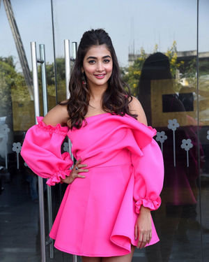 Pooja Hegde - Ala Vaikunthapurramuloo Movie Success Meet Photos | Picture 1714647