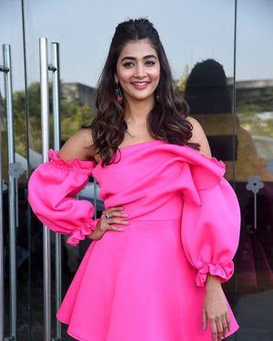 Pooja Hegde - Ala Vaikunthapurramuloo Movie Success Meet Photos | Picture 1714644