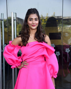 Pooja Hegde - Ala Vaikunthapurramuloo Movie Success Meet Photos | Picture 1714650