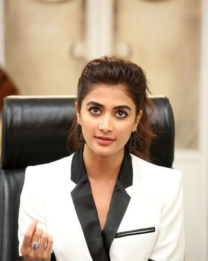 Pooja Hegde At Ala Vaikunthapurramuloo Movie Interview Photos | Picture 1714697
