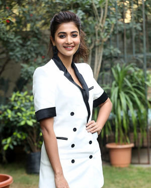 Pooja Hegde At Ala Vaikunthapurramuloo Movie Interview Photos | Picture 1714689