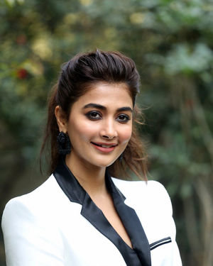 Pooja Hegde At Ala Vaikunthapurramuloo Movie Interview Photos | Picture 1714691