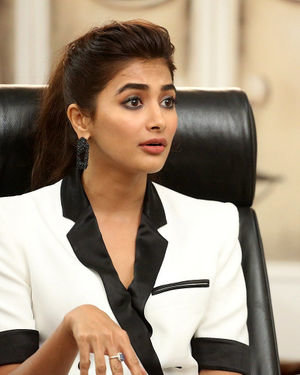 Pooja Hegde At Ala Vaikunthapurramuloo Movie Interview Photos | Picture 1714705