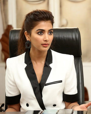 Pooja Hegde At Ala Vaikunthapurramuloo Movie Interview Photos | Picture 1714702