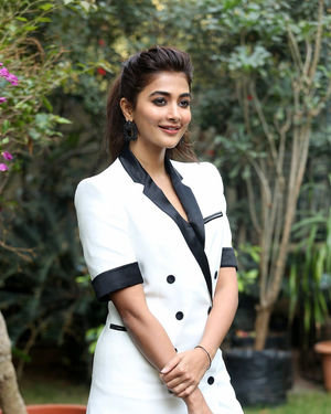 Pooja Hegde At Ala Vaikunthapurramuloo Movie Interview Photos | Picture 1714692