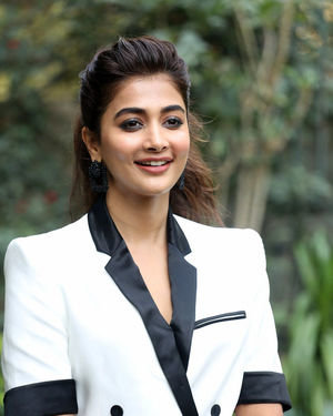 Pooja Hegde At Ala Vaikunthapurramuloo Movie Interview Photos