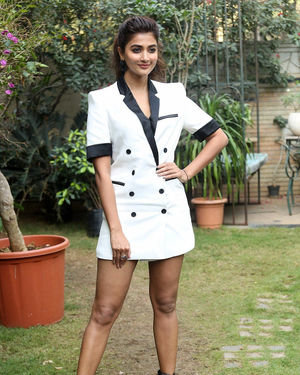Pooja Hegde At Ala Vaikunthapurramuloo Movie Interview Photos | Picture 1714686