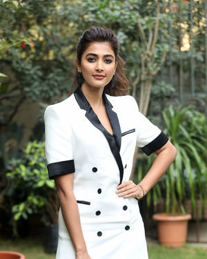 Pooja Hegde At Ala Vaikunthapurramuloo Movie Interview Photos | Picture 1714693