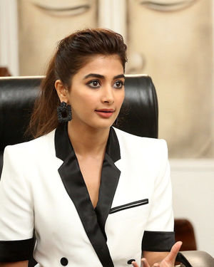 Pooja Hegde At Ala Vaikunthapurramuloo Movie Interview Photos | Picture 1714703