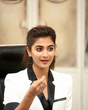 Pooja Hegde At Ala Vaikunthapurramuloo Movie Interview Photos | Picture 1714699