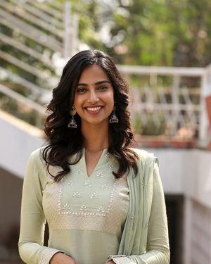 Meenakshi Chaudhary - Ichata Vahanamulu Niluparadu Movie Launch Photos | Picture 1717755