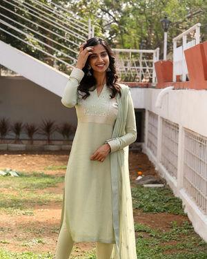 Meenakshi Chaudhary - Ichata Vahanamulu Niluparadu Movie Launch Photos | Picture 1717756