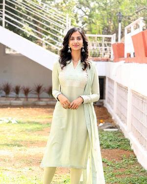 Meenakshi Chaudhary - Ichata Vahanamulu Niluparadu Movie Launch Photos | Picture 1717742
