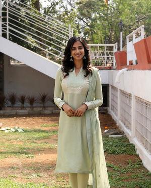 Meenakshi Chaudhary - Ichata Vahanamulu Niluparadu Movie Launch Photos | Picture 1717743