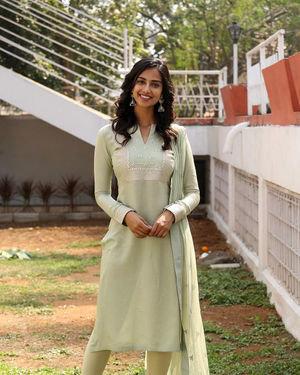 Meenakshi Chaudhary - Ichata Vahanamulu Niluparadu Movie Launch Photos | Picture 1717748