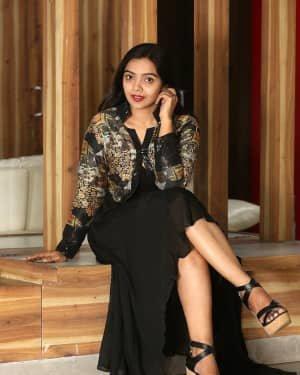 Nithya Shetty At O Pitta Katha Movie Interview Photos   Picture 1725511