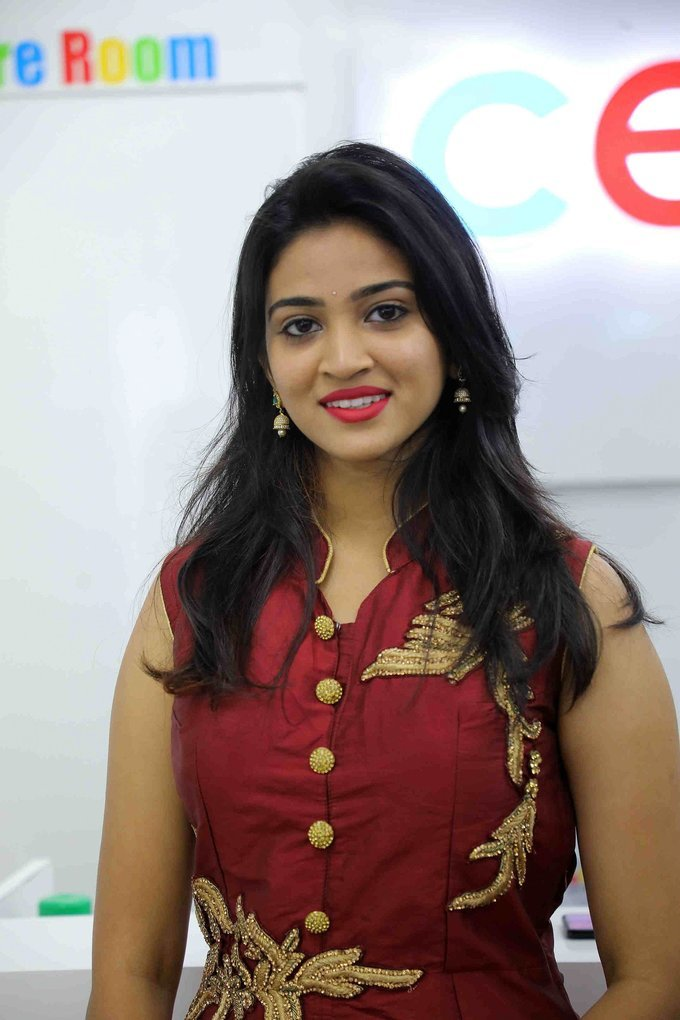 Vakshika Latha - Launch Of Cellbay 60th Store At Nallagandla Photos   Picture 1726829