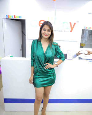 Nilofer - Launch Of Cellbay 60th Store At Nallagandla Photos | Picture 1726805