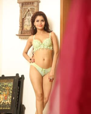 Gehana Vasisth Latest Hot Photoshoot | Picture 1731672