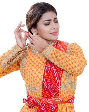 Shriya Saran Dance Photoshoot | Picture 1734009