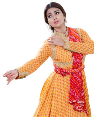 Shriya Saran Dance Photoshoot | Picture 1734010