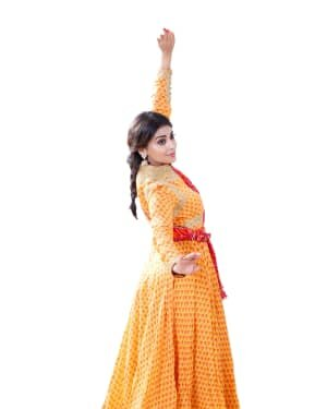 Shriya Saran Dance Photoshoot | Picture 1734003