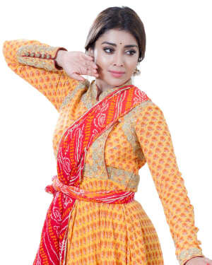 Shriya Saran Dance Photoshoot | Picture 1734004